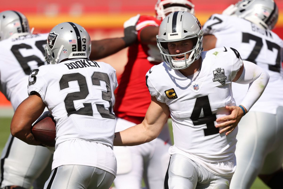 Derek Carr Captures First Win In Kansas City; Raiders Ride Into Bye 3-2 Handing Super Bowl Champion Chiefs First Loss, 40 - 32.