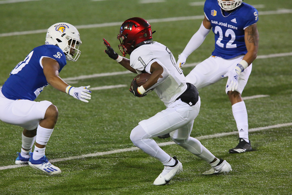 Rebels Struggle Against Undefeated San Jose State Spartans