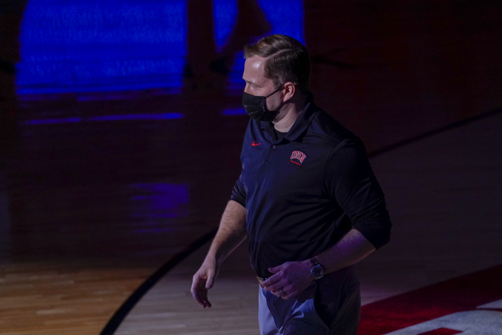 T.J. Otzelberger Leaves UNLV Basketball For Iowa State: What's Next?