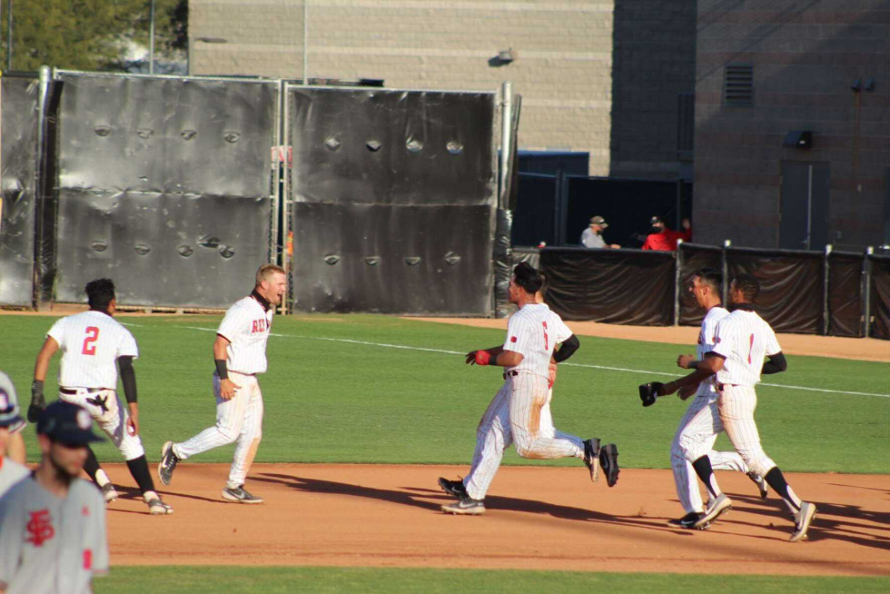 UNLV Baseball Overcomes a 5 Run Deficit to Beat Fresno State in Extra Innings 10-9